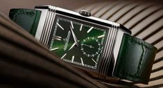 Jaeger-LeCoultre Reverso Tribute Small Seconds in Grün Jaeger Lecoultre Reverso, Tribute, Signature Design, Design Elements, Watches, Blog, Red And Blue, Rich Colors, Geometry