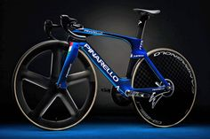 Pinarello Maat carbon track bike swoops onto the boards with Olympics on target - Bikerumor Mtb Bike, Cycling Bikes, Cycling Art, Cycling Jerseys, Road Cycling, Best Road Bike, Road Bikes, Road Bike Women, Bicycle Women