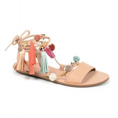 The must-have summer sandal trend, Pom Pom Sandals. See the 10 best pom pom sandals here. Sandals Outfit, Strappy Sandals, Flat Sandals, Shoes Sandals, Cute Shoes, Me Too Shoes, Pom Pom Sandals, Spring Sandals, Beach Sandals
