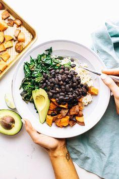 This Nourishing Sweet Potato Bowl is the perfect healthy dinner that is veggie packed and super flavorful! If you are in need of delicious meal prep for the week this recipe is easy and full of plant-based protein. Delicious and satisfying for a busy week. Check it out. Sweet Potato Recipes Healthy, Sweet Potato Kale, Healthy Recipes, Cheap Recipes, Easy Vegetarian Dinner, Healthy Meal Prep, Healthy Eating, Dinner Healthy, Vegan Vegetarian