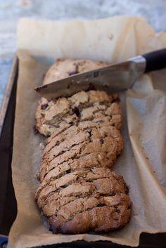 Cantuccini di farina di castagne e cioccolato