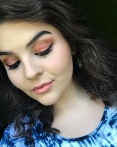 "- {Jenna Markins Makeup} (@jennamarkinsmakeup) on Instagram: ""#jennamarkinsmakeup #urbandecay #nakedheat #makeup #artist #summer #glitter #peach #warm #glam…"""