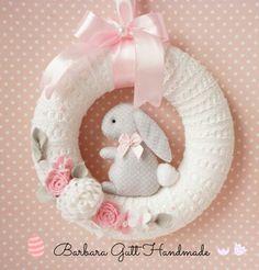 51 Super Ideas For Holiday Crafts Easter Baby Shower Crochet Wreath, Felt Wreath, Baby Kranz, Holiday Crafts, Holiday Fun, Diy Ostern, Easter Crafts For Kids, Bunny Crafts, Easter Ideas
