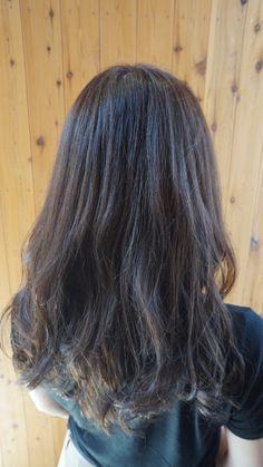 7トーンの髪色です Long Hair Styles, Beauty, Long Hairstyle, Long Haircuts, Long Hair Cuts, Beauty Illustration, Long Hairstyles, Long Hair Dos