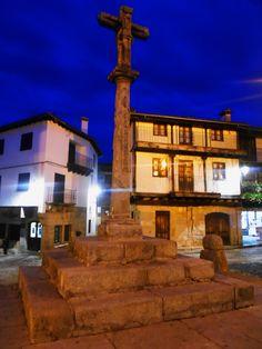 La Cruz de la Plaza del pueblo en su actual emplazamiento.