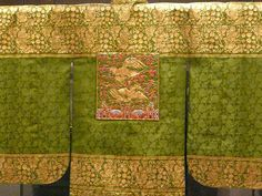 Nokwonsam (green wonsam) for a princess. The wonsam is a female ceremonial topcoat in hanbok, Korean traditional clothing. It was worn by queens, high-ranking court ladies, and royalty during the Joseon Dynasty of Korea (1392-1910)