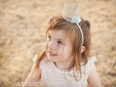 Sesiones de verano, princesas nórdicas, fotografía infantil natural, fotos de niños en exteriores, sesiones familiares en el campo, fotos de familia originales, fotos de familia diferentes