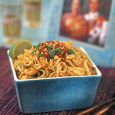 Phad Thai, Asian Recipes, Ethnic Recipes, Lchf, Macaroni And Cheese, Food And Drink, Pasta, Baking, Corner