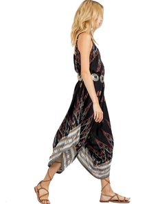 Throw on the Lou jumpsuit after early morning swims, with salt-stained skin and warm french press coffee in hand. Lightweight, loose, and easy to wear, the Lou is made with locally sourced Bali Ikat.