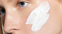 5 Detoxifying DIY Face Masks to Do Tonight
