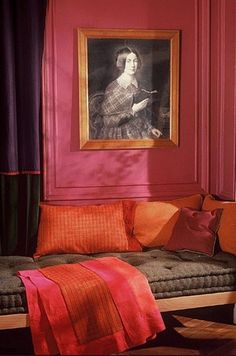 Pink, orange, purple and a charming French mattress banquette, pink and orange interior Sillas Chippendale, Orange Color Combinations, Colour Combo, Red Color, Interior And Exterior, Interior Design, Red Rooms, Hotel Interiors, Pink Walls