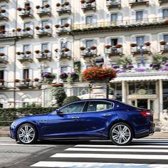 Così blu, così brillante, così Ghibli. #Maserati #maseratighibli #Tridente #MadeInItaly #ghibli