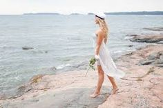 Kuvahaun tulos haulle ylioppilas Graduation Photos, Dress And Heels, Finland, Cover Up, Photograph, White Dress, Beach, Dresses, Fashion