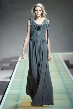 Grecian women inspired dress or tunic Greek Inspired Fashion, Fashion  History, Ancient Greece Fashion d8336bcbd0