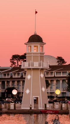 Pros & Cons of EVERY Walt Disney World Hotel (and some off-site ones!)