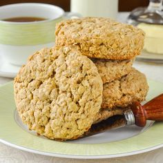Old Fashioned Oatcakes. Perfect for quick breakfasts or packed lunches, these old fashioned oatcakes can be made plain or with lightly spiced flavour. Subbed applesauce for butter Tea Cakes, Shortbread, Biscotti, Macarons, Cookie Recipes, Dessert Recipes, Pastry Recipes, Keto Desserts, Bread Recipes