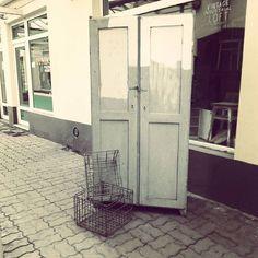 "Lubimy styl loft i industrial ! Szafa ""internatowa"" #vintage #interiors #industrial #design #loft #retro #vintageshop #sklepvintage #poznan #projektvintage #old #starocie #brocante #antiques #szafa #schrank  #wnętrza #brutfurniture #junkstyledesign #interiorstyling #interiordesign #interiors #wardrobe"