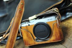 Cow leather case for Fujifilm XA2 X-A2 include vintage brown leather half case and leather strap
