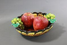 ART DECO 1930s Fruit BOWL  St. Peter Freistadt  by Vinteology Art Deco Period, Leaf Art, Art Deco Design, Vintage Home Decor, Geometric Shapes, 1930s, Serving Bowls, Decorative Bowls, Vintage Items
