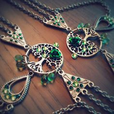 One of our most popular necklace, our gorgeous tree of life choker!