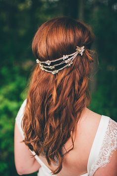 Bohemian redhead wedding hairstyle with boho headpiece. Bohemian Wedding Hair, Boho Headpiece, Wedding Hair Inspiration, Free Spirit, Flower Crown, Bliss, Wedding Hairstyles, Wedding Day, Hair Styles