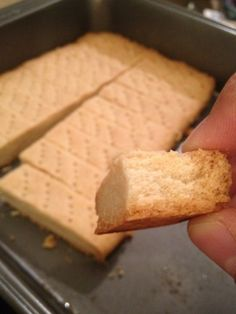 Scottish Shortbread - When I was a young kid one or other of us in turn occasionally used to be allowed to wreak havoc in the kitchen. This is a recipe I asked for from the elderly Scottish pastry cook who used to live opposite. Baking Recipes, Cookie Recipes, Dessert Recipes, Dinner Recipes, Just Desserts, Delicious Desserts, Yummy Food, Healthy Food, Tea Cakes