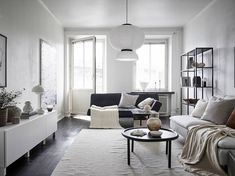 A Lovely Little Pad With a Warm, Earthy Color Palette + How To Get The Look - Nordic Design Nordic Design, Scandinavian Design, Scandinavian Interiors, Dark Wooden Floor, Earthy Color Palette, Muted Colors, Bright Homes, Traditional Wallpaper, White Houses
