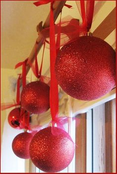 Christmas decorations DIY...in the living room and over the kitchen sink