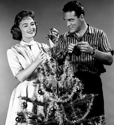 """Donna Reed and Carl Betz celebrate Christmas on """"The Donna Reed Show."""""""