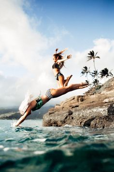 Hawaii Travel Bucketlist - China Walls, Oahu - Jump into the water or watch the sun set from the gorgeous rocks in Hawaii Kai. More Hawaii travel ideas on our site!