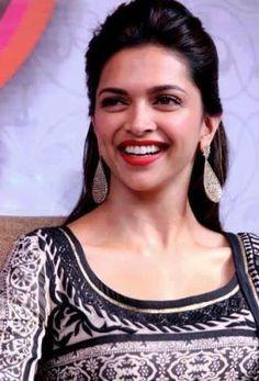 Deepika's smile has slain so many hearts :P