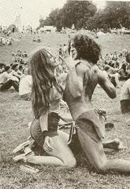 Woodstock: What people said the famous music festival was REALLY like - Click Americana 1969 Woodstock, Woodstock Hippies, Woodstock Festival, Woodstock Music, Hippie Man, Hippie Love, Hippie Style, 70s Hippie, Frases Good Vibes
