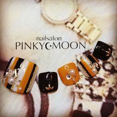 Pretty Toe Nails, Cute Toe Nails, Pretty Toes, Toe Nail Art, Love Nails, Pedicure Designs, Toe Nail Designs, Picasso Nails, Feet Nail Design