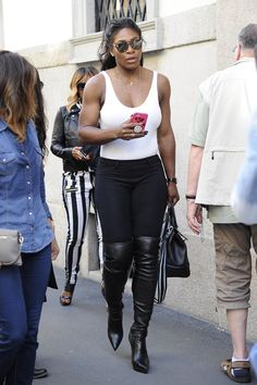 Anna Wintour, and Serena Williams, were together again on Thursday when they headed to the Fendi show side by side Serena Williams And Common, Serena Williams Photos, Venus And Serena Williams, West Palm Beach, S Williams, Celebrity Shoes, Tennis Fashion, My Black Is Beautiful, Famous Women