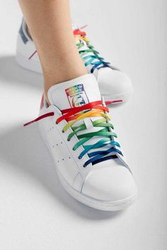 New Adidas Stan Smith Unisex Running Trainers Discount Sneakers Rainbow Shoes, Rainbow Outfit, Rainbow Clothes, Pride Outfit, Cute Shoes, Me Too Shoes, Christopher Street Day, Adidas Originals, Basket Style