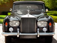 1965 Rolls Royce Silver Cloud Convertible Maintenance/restoration of old/vintage vehicles: the material for new cogs/casters/gears/pads could be cast polyamide which I (Cast polyamide) can produce. My contact: tatjana.alic@windowslive.com