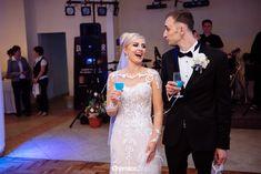 Zimowy ślub Pauliny i Tomka -Fotografia: ChomiczArt.pl Lace Wedding, Wedding Dresses, Fashion, Fotografia, Bride Dresses, Moda, Bridal Gowns, Fashion Styles, Weeding Dresses