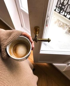 lovely morning and coffee break inspiration. lovely morning and coffee break inspiration. Coffee Is Life, I Love Coffee, Coffee Break, Morning Coffee, Coffee Shops, Coffee Cafe, Coffee Drinks, Coffee Lovers, Starbucks Coffee