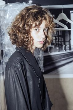 the look of this Short Curly Haircuts, Curly Hair Cuts, Curly Hair Styles, Short Permed Hair, Curly Short, Curly Bob, Hair Inspo, Hair Inspiration, Mullet Hairstyle
