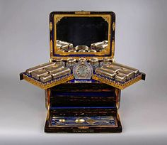 FANTASTIC COROMANDEL LADIES DRESSING CASE BY JENNER & KNEWSTUB