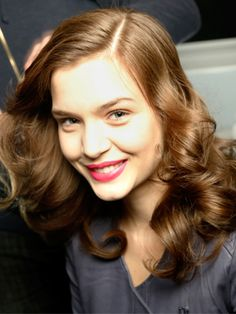 The 5 Biggest Hair-Curling Mistakes: Daily Beauty Reporter :  Get more hair ideas with tips from PopSugar! Given the number of rollers, tongs, and stylers on the market designed to curl hair, you'd think getting long-lasting waves would be easy. Alas, many of us still struggle to make...