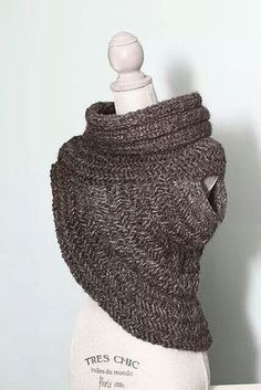 Hunter Cowl pattern by Diana Burk