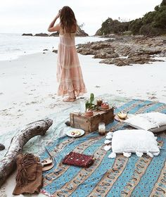 ✨>> MORNINGS like this <<✨ FRINGE BYRON SANDALS having rest with @anita_ghise @spell_byronbay Dress @lucianarose MISSING