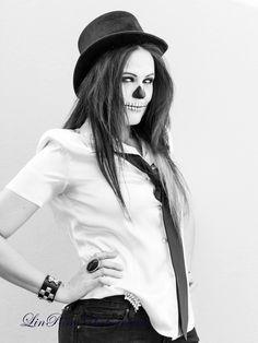 #Halloween #Makeup #Scull #MrMrsScull www.vikkitoria.com