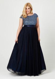 Nuestro vestido de vuelo en azul marino para ceremonias, bodas y celebraciones…