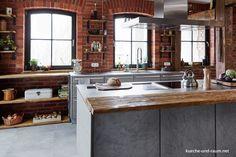 Schon Praktisch Und Schick, Die Moderne Kochinsel Im Mittelpunkt Der Küche Kann  Von Allen Seiten Genutzt