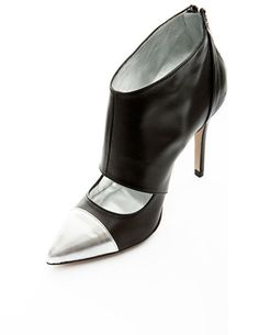 Silver Point Button-up Leather Heeled Shoes