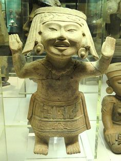 File:Smiling figure, central Vera Cruz - Mesoamerican objects in the American Museum of Natural History - DSC06028.JPG