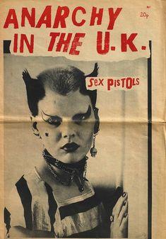 OH SO PRETTY: TOBY MOTT'S PUNK ARTIFACTS Punk Art, Arte Punch, Estilo Punk Rock, The Beatles, Mode Punk, Anarcho Punk, Art Exhibition Posters, 70s Punk, Riot Grrrl