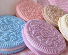 Pastel colored oreos